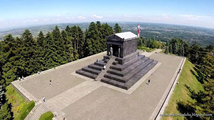 Spomenik-Neznanom-junaku-na-Avali-1-e1491273855933.jpg