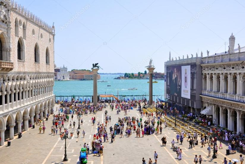 depositphotos_26487413-stock-photo-the-piazzetta-san-marco-view.jpg